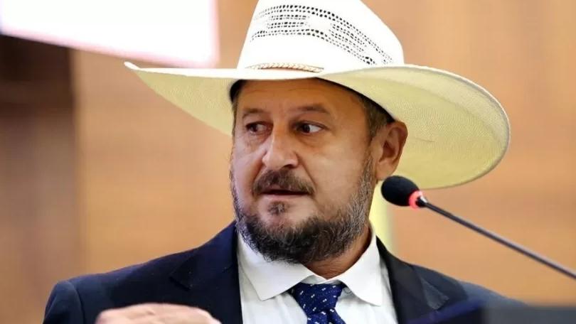 Deputado estadual do PSL é criticado após dizer que ser gay 'é opção'