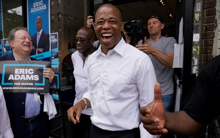 Nova-iorquinos votam em primárias para definir prefeito do pós-pandemia