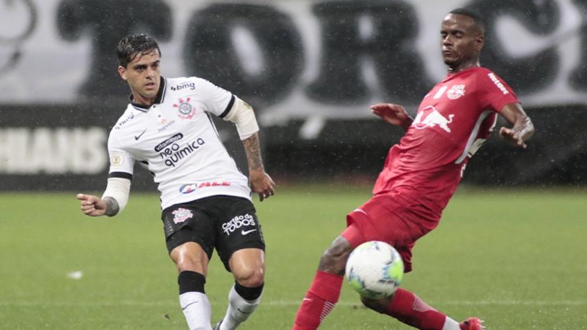 Corinthians abre o placar, mas sofre virada do Bragantino e segue sem vencer em casa no Brasileirão