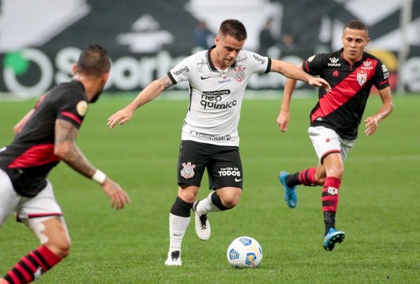 Corinthians não sai do 0 a 0 contra o Atlético-GO e está eliminado da Copa do Brasil