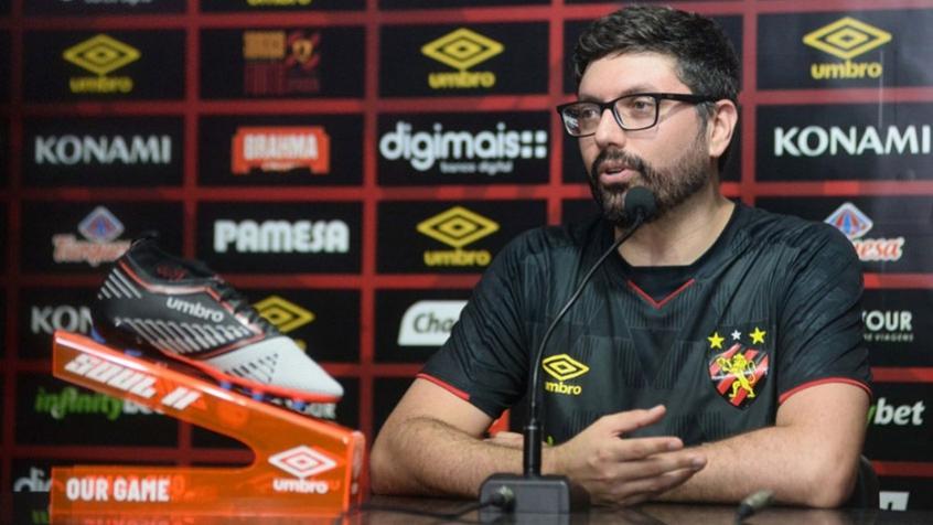 Presidente do Santos confirma chegada de diretor de marketing