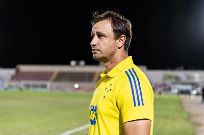 Após eliminação na Copa do Brasil, Felipe Conceição não é mais técnico do Cruzeiro