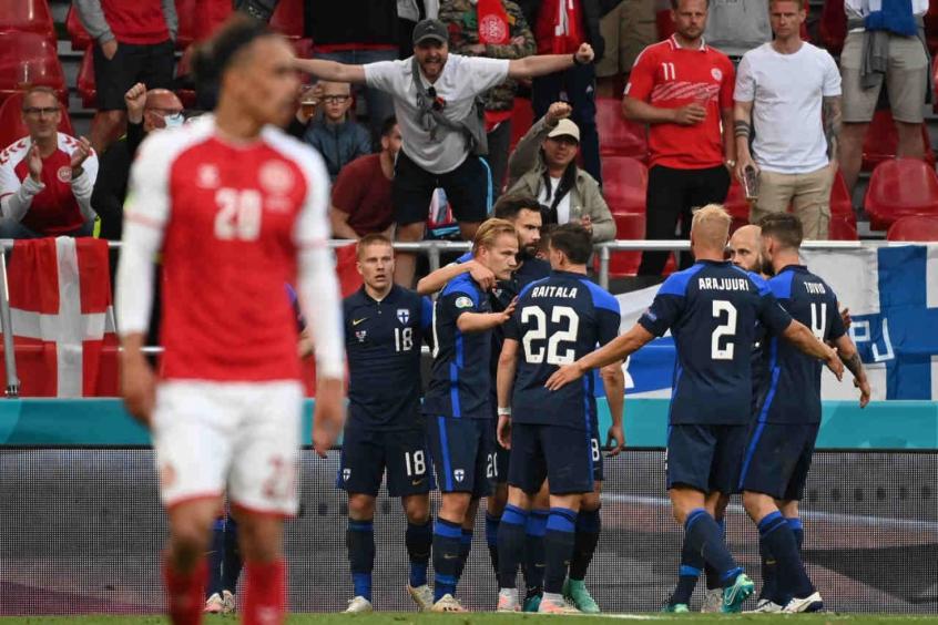 Em jogo marcado por preocupação com Eriksen, Finlândia vence a Dinamarca no Grupo B da Eurocopa
