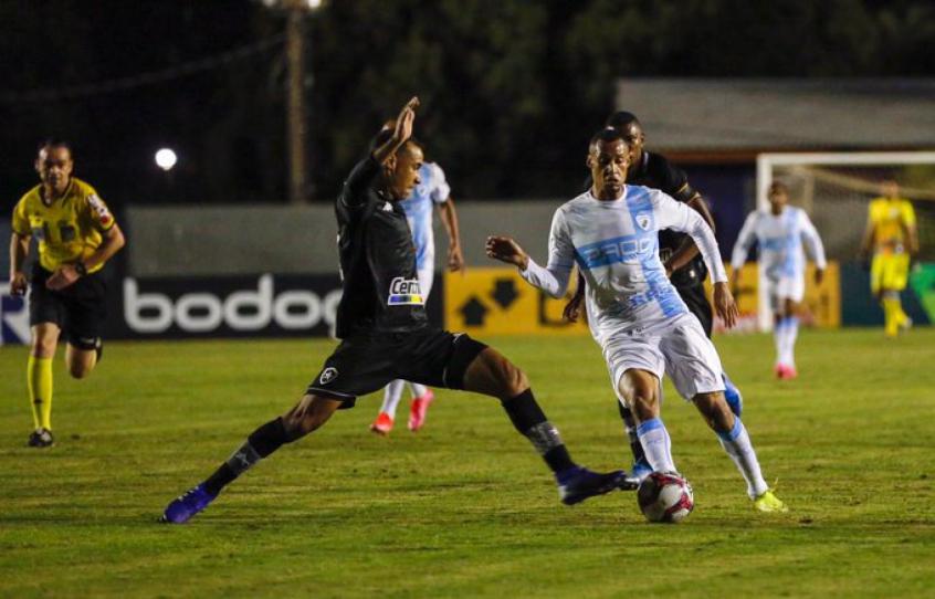 Londrina mina as bases de jogo do Botafogo, que não consegue se adaptar à adversidade imposta