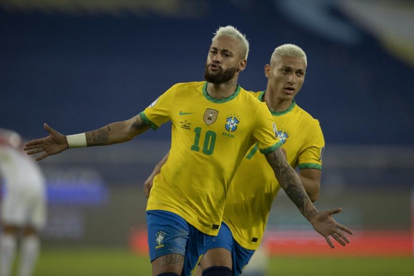 'É uma honra muito grande fazer parte da história da Seleção Brasileira', diz Neymar após goleada