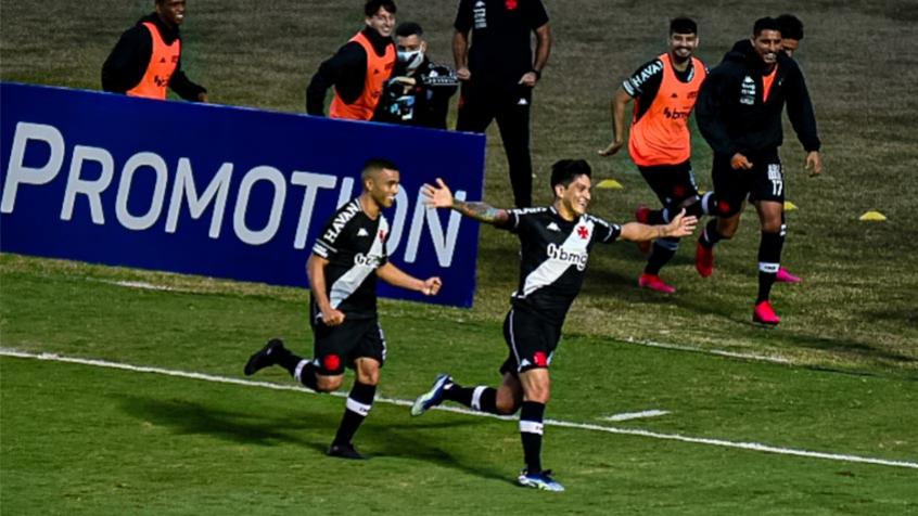Vasco goleia o CRB e conquista a primeira vitória em São Januário pela Série B do Brasileirão