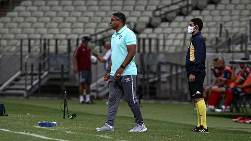 Roger vê André na briga por vaga no meio e admite recuo do Fluminense após gol contra o Fortaleza