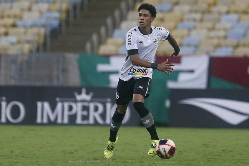 Adeus: Botafogo e Internacional fecham negociação por Paulo Victor