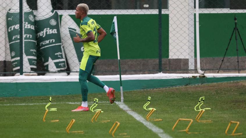 Escalação do Palmeiras: Danilo treina integralmente e Verdão se prepara para enfrentar Red Bull Bragantino