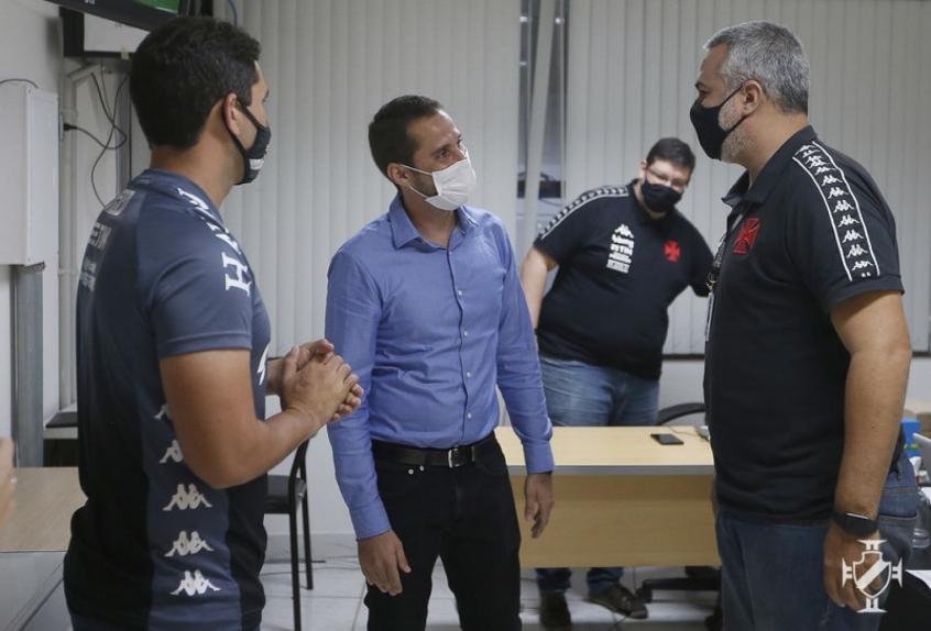 'Escolhi o Vasco pelo tamanho do clube, pela história apaixonante', diz Rodrigo Dias, novo gerente da base