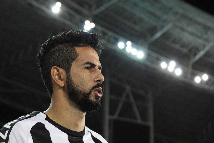 Cadê o Jonathan? Lateral do Botafogo evolui na recuperação e pode voltar a treinar com o grupo