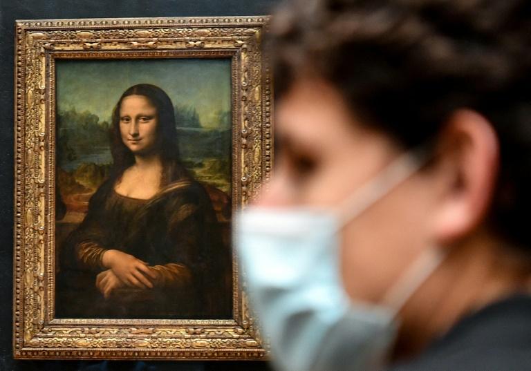 Egípcio que atacou militares no museu do Louvre é condenado a 30 anos de prisão