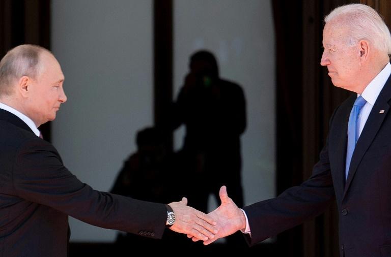 Encontro Biden-Putin não foi caloroso, apesar da alta temperatura em Genebra