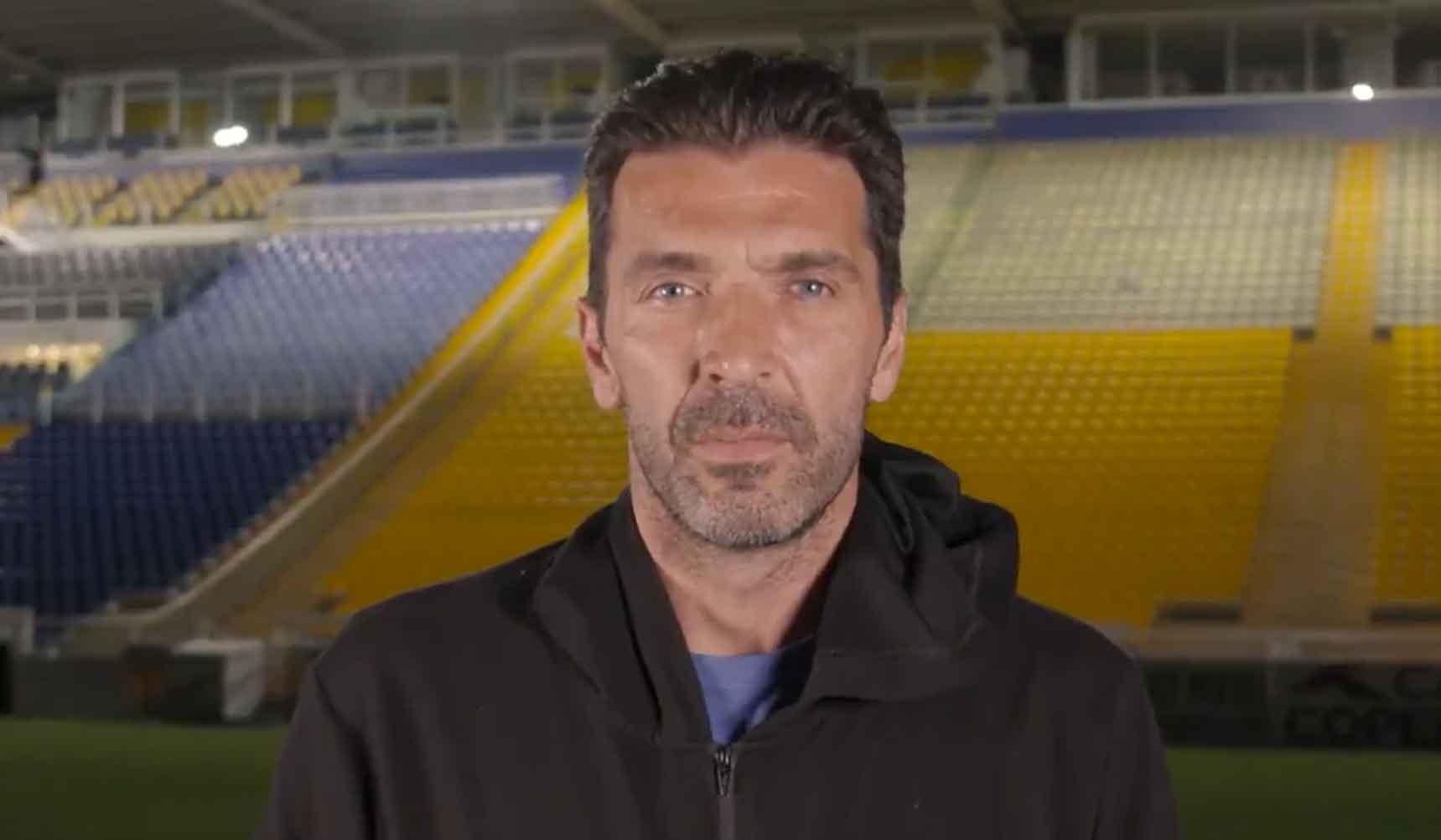 Aos 43 anos, um dos melhores goleiros do mundo retorna ao Parma após 20 anos. Foto: Reprodução Twitter