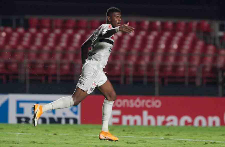 Convocado para a Copa América, Arboleda deve ficar fora de, pelo menos, cinco jogos pelo São Paulo