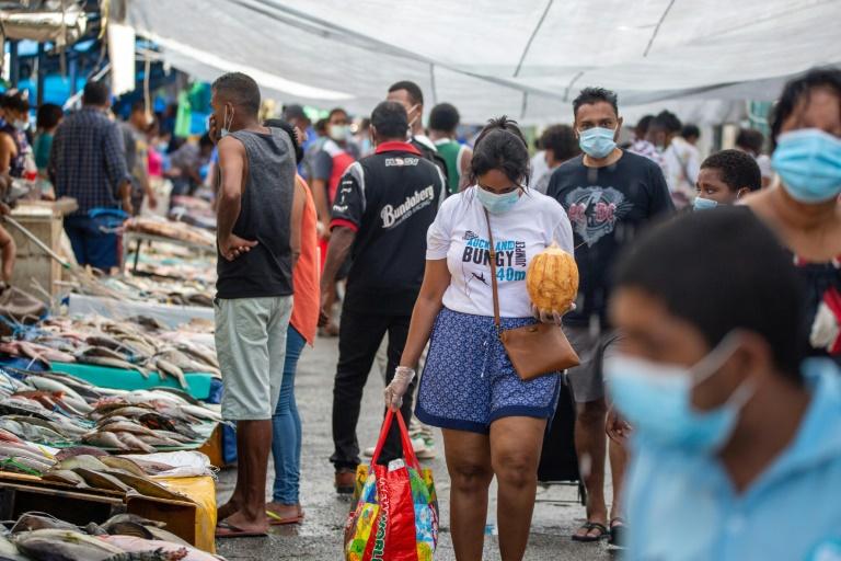 Fiji admite transmissão generalizada de covid-19 após aumento de contágios