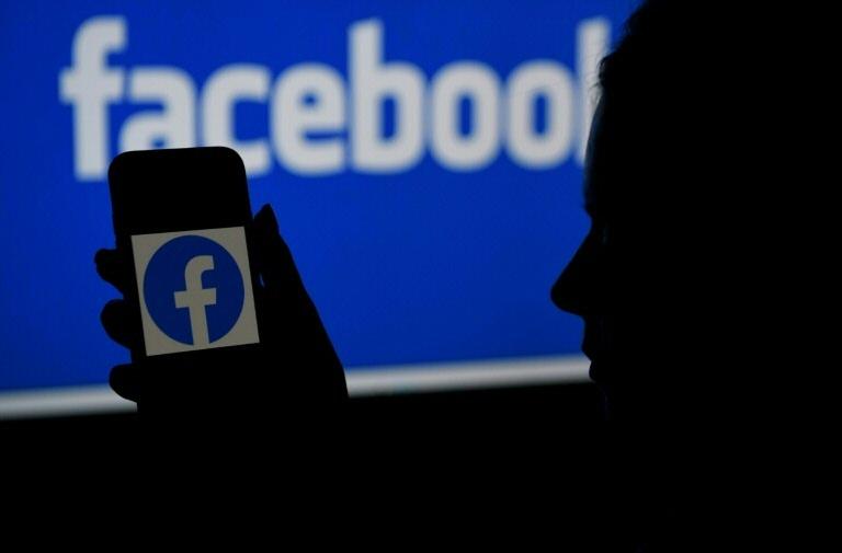 Facebook lança 'áudio ao vivo' e podcasts nos EUA