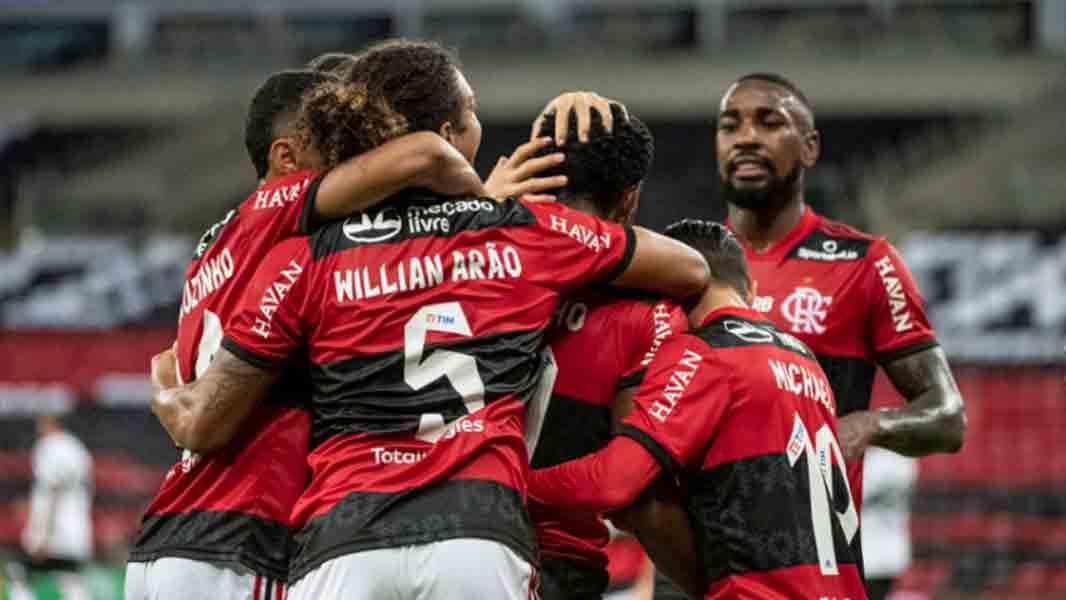 Flamengo 'atropela' o Coritiba e avança às oitavas de final da Copa do Brasil