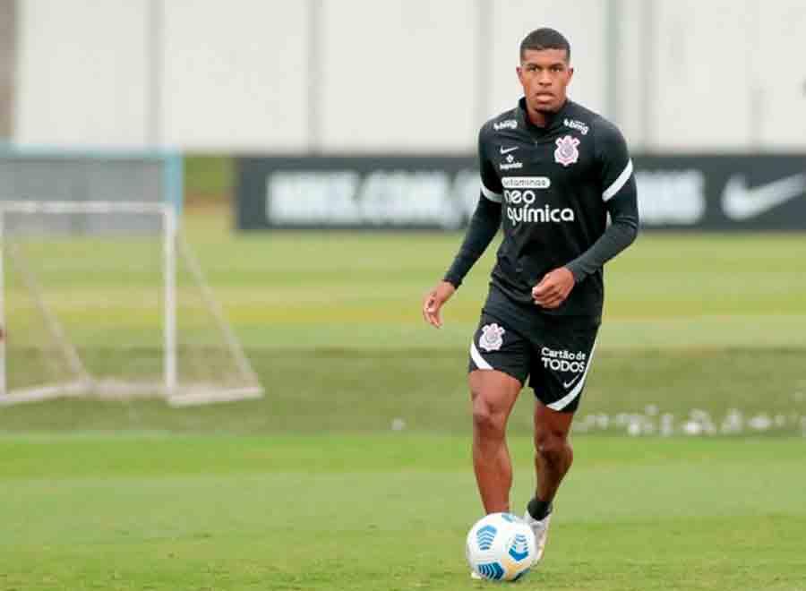 Léo Natel sofre luxação no ombro e será reavaliado pelo Corinthians