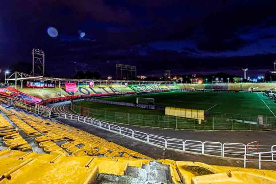 Flamengo estuda levar jogo contra o Fortaleza para o Raulino de Oliveira, em Volta Redonda