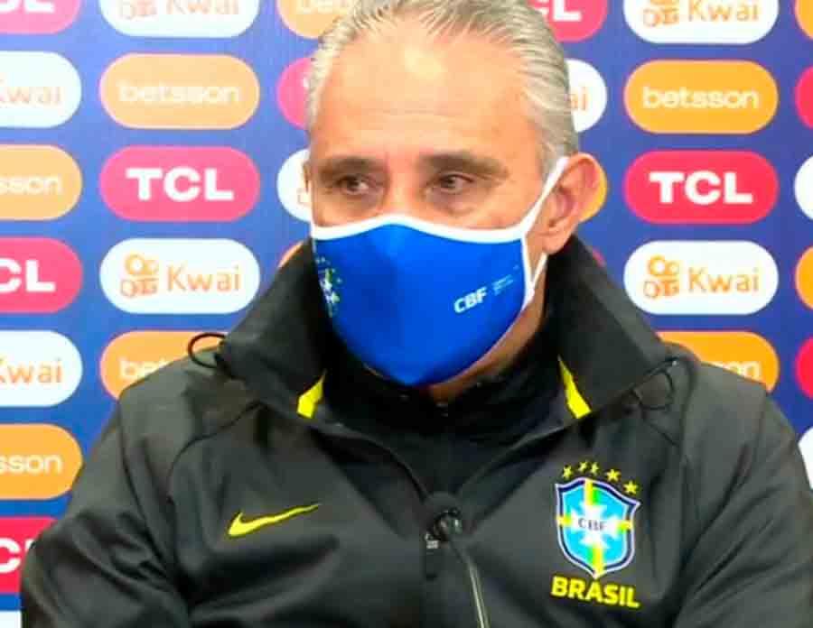 Tite acena com mudanças na Seleção e faz críticas às condições do gramado do Nilton Santos