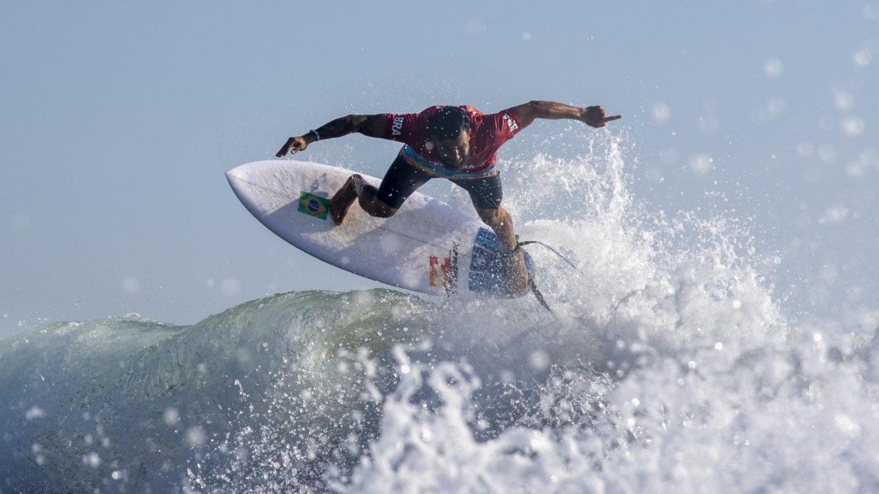 Surfe: Ítalo Ferreira confirma o favoritismo e está na final