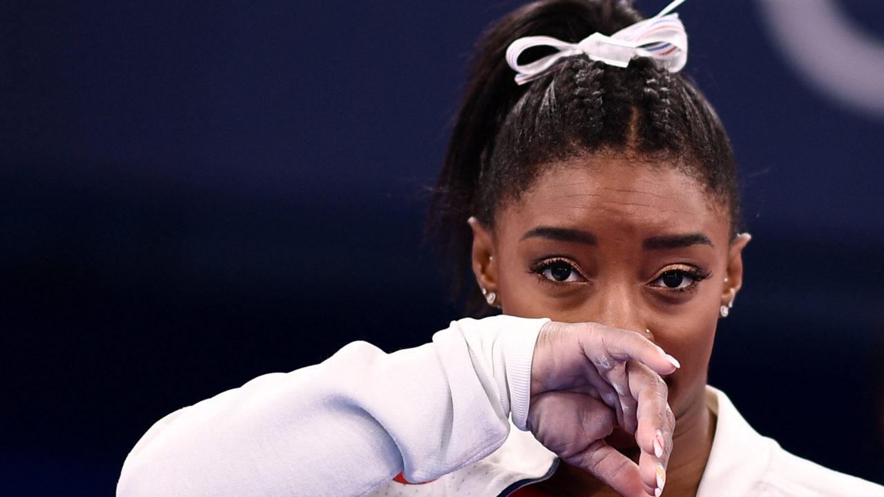 Olimpíada: Simone Biles desiste de participar da final individual geral na ginástica artística