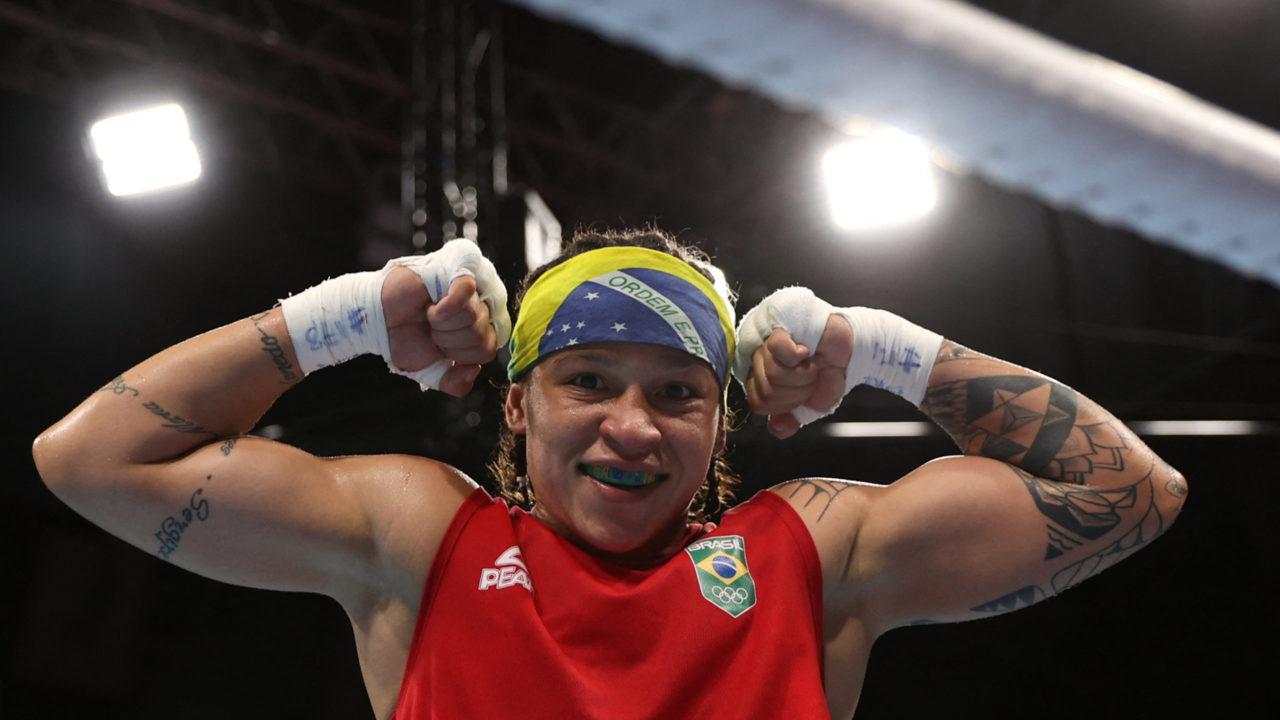 Boxe: Beatriz Ferreira vence com facilidade e avança às quartas de final