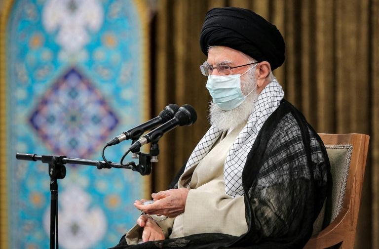 Experiência mostra que 'confiar no Ocidente não funciona', diz líder supremo iraniano