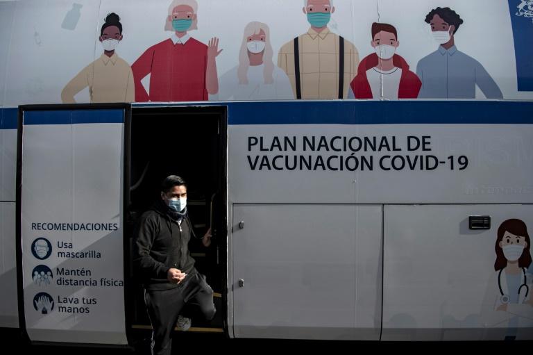 Chile flexibiliza restrições de fronteira para residentes vacinados