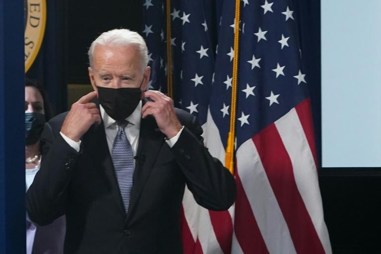 Biden afirma que novas restrições serão impostas nos EUA em função da covid