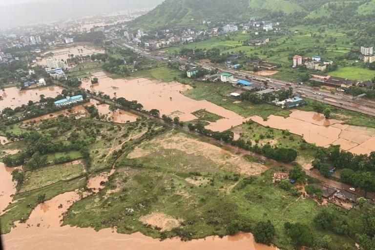 Ao menos 76 mortos e dezenas de desaparecidos por chuvas de monção na Índia