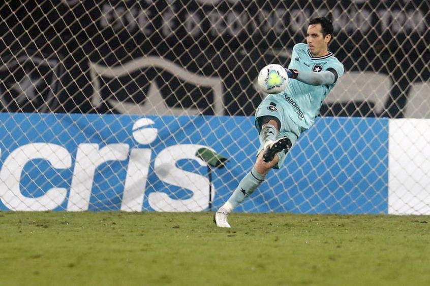 Botafogo atualiza situação de jogadores no Departamento Médico; Gatito 'segue evoluindo muito bem'