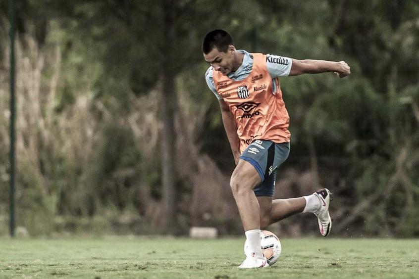Três jogadores disputam a vaga de Kaio Jorge no ataque do Santos