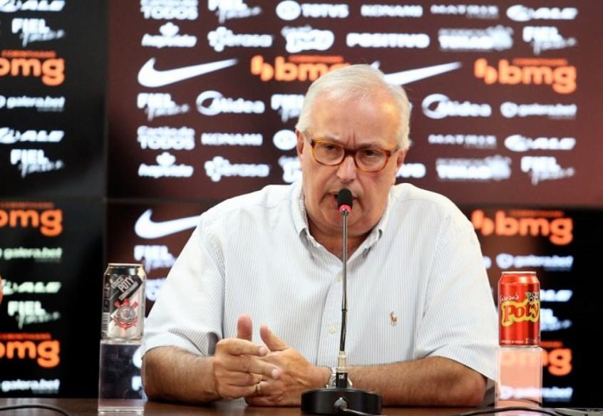 Diretor do Corinthians admite interesse em Roger Guedes, mas nega acordo: 'Rescisão está difícil'