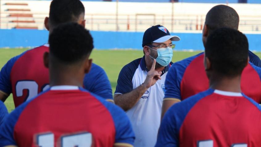 No comando do Botafogo, Enderson Moreira busca ascensão na carreira após recentes trabalhos ruins