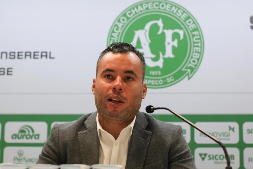 Confira a provável escalação da Chape para encarar o Santos