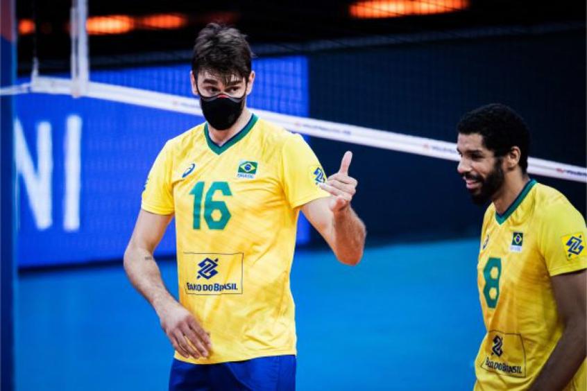 'Time demorou para acordar', diz Lucão após virada do Brasil sobre a Argentina