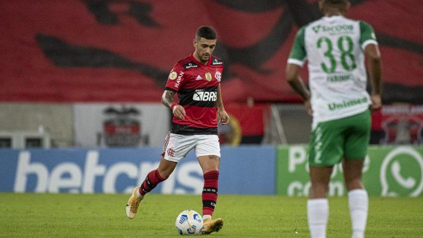 Flamengo busca virada contra a Chapecoense e volta a vencer no Brasileiro