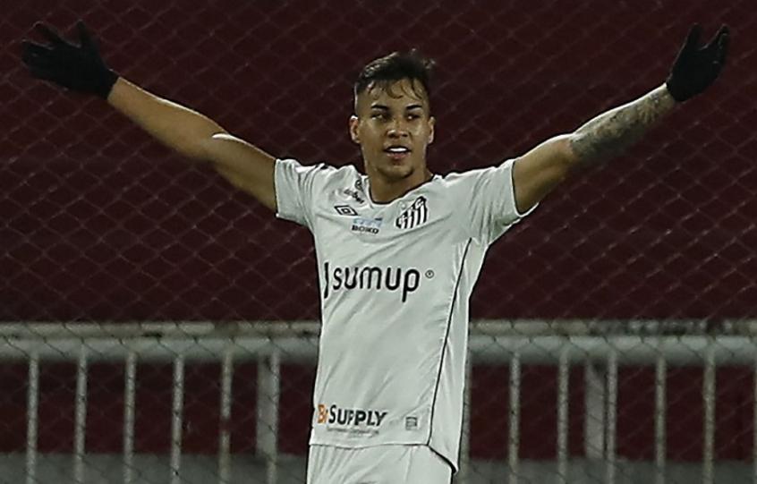 Santos acerta a venda do atacante Kaio Jorge para a Juventus; veja quanto o clube irá receber!