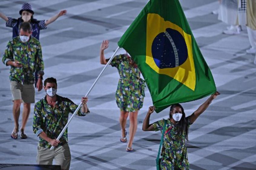 Bernardinho se emociona com desfile do filho na Olimpíada e entrega 'segredo' de família: 'samba no pé'