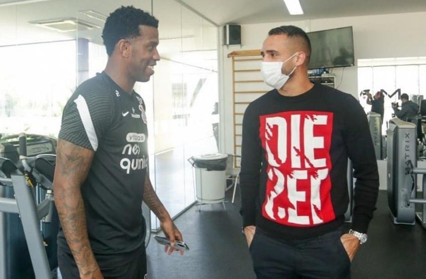 Gil crê que físico não será problema para Renato Augusto na volta ao Corinthians: 'Comigo foi assim'