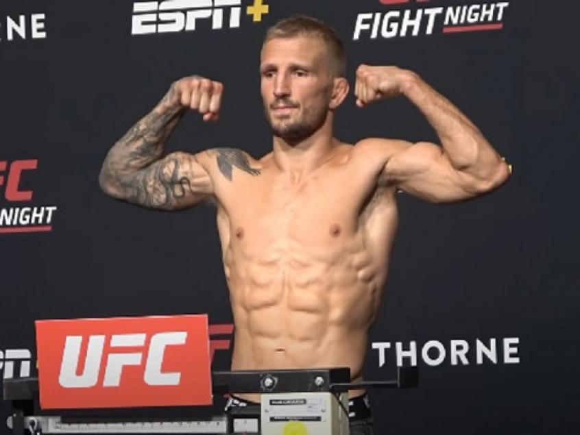 De volta, Dillashaw bate o peso e confirma luta contra Sandhagen no UFC Vegas 32