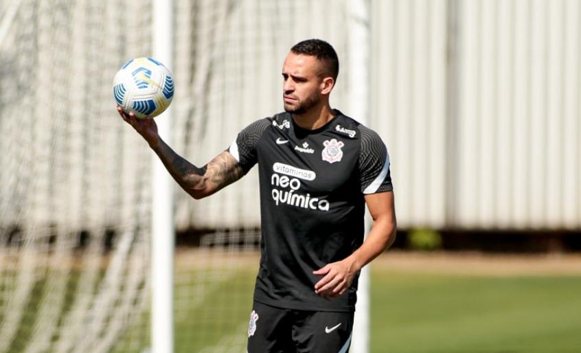 Reforços do Corinthians, Giuliano e Renato Augusto fazem trabalho interno no clube