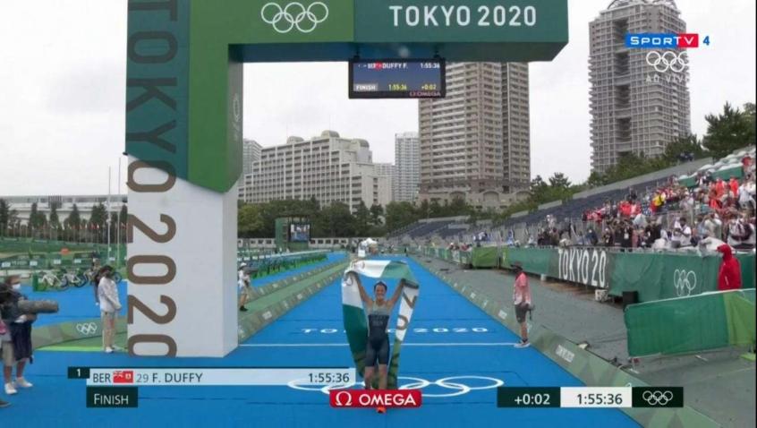 Triatlo feminino: atleta de Bermudas garante primeiro ouro da história das ilhas; brasileiras ficam em 28º e 32º
