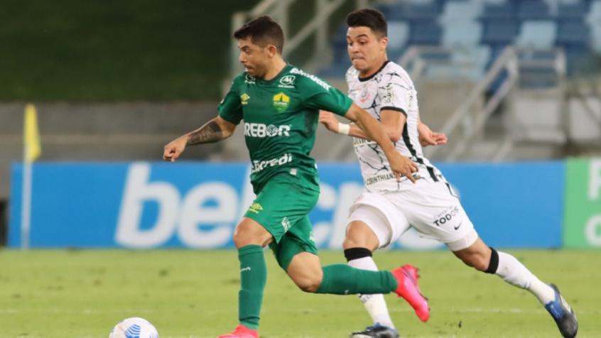 Roni comemora boa atuação pelo Corinthians e exalta chegada dos reforços: 'São fundamentais'
