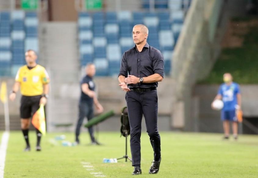 Sylvinho analisa vitória do Corinthians e evita projetar estreia de reforços: 'Estão adquirindo forma'