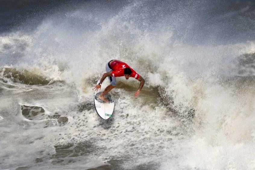 Roubaram o Medina? Veja os nomes e como são escolhidos os juízes do surfe nos Jogos Olímpicos