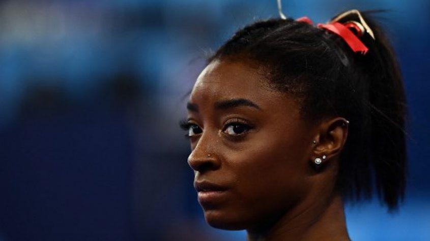 Simone Biles desiste de mais duas provas nos Jogos Olímpicos