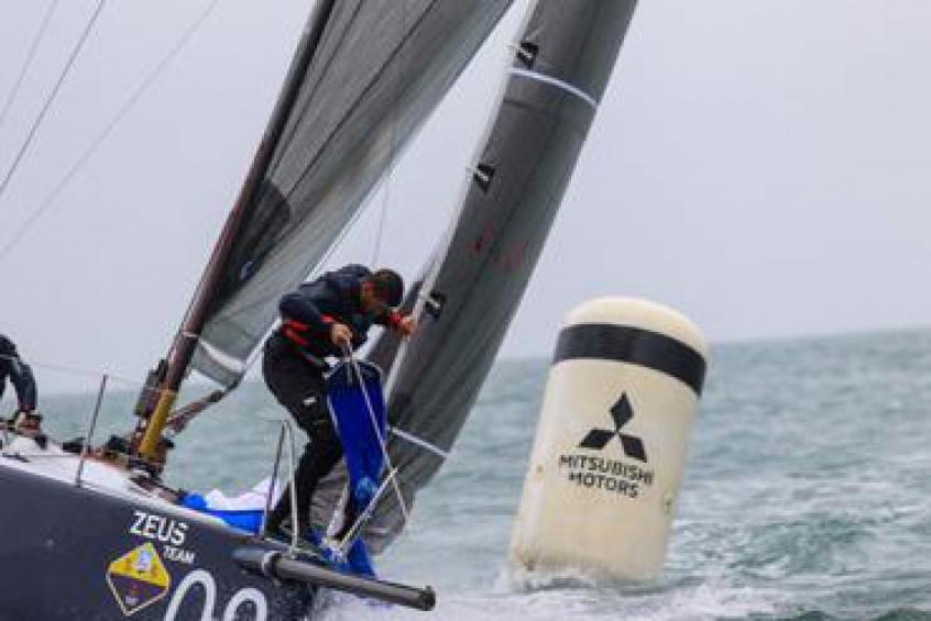 Semana de Ilhabela tem regatas com mar pesado e frio
